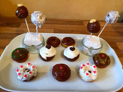 Donut-Cupcake-Cakepop-500