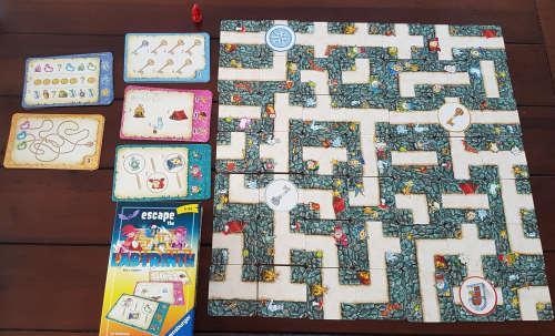 """Dieses Spiel  """"Escape The Labyrinth"""" hat uns besonders interessiert, da es dem verrückten Labyrinth angelehnt und sehr ähnlich vom Aufbau ist."""